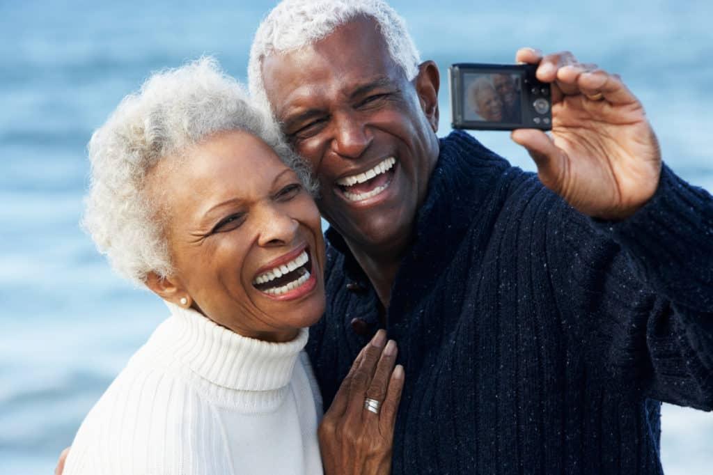 senior couple laughing marriage symbis